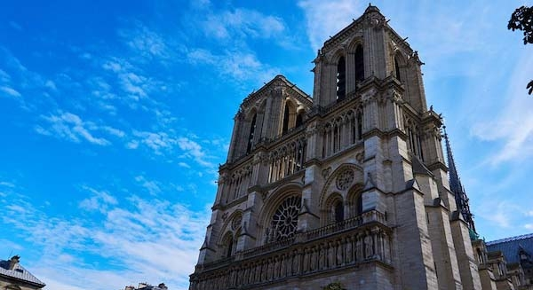 Visiter autrementNotre Dame de Paris